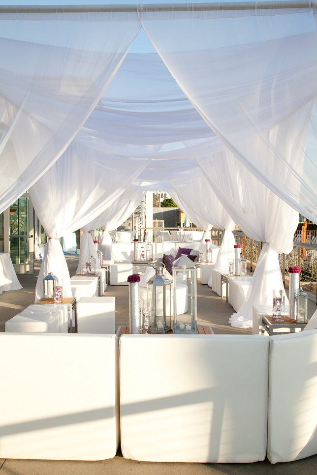 Real wedding stylish diy at annenberg beach house for Beach house reception ideas
